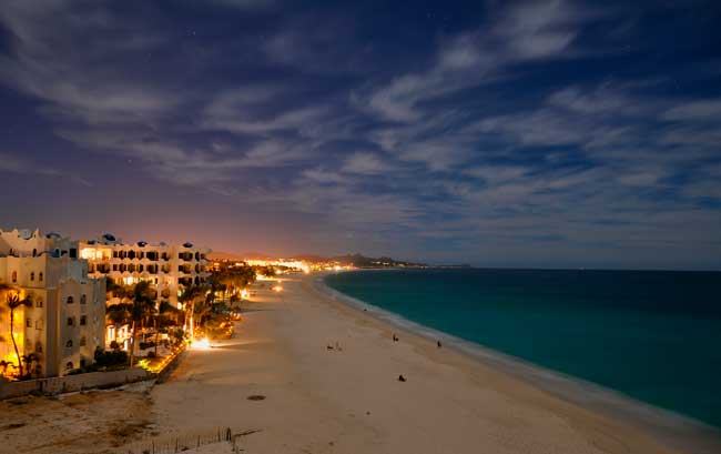 In Los Cabos there are amazing beaches worth to be discovered.